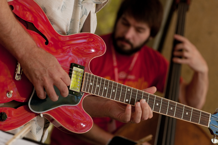 Innovative online course connects participants around the world to build creative problem-solving skills through the lens of music.