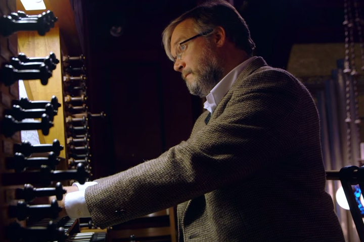 Watch as University Organist Robert Huw Morgan performs and discusses the sounds of Memorial Church.