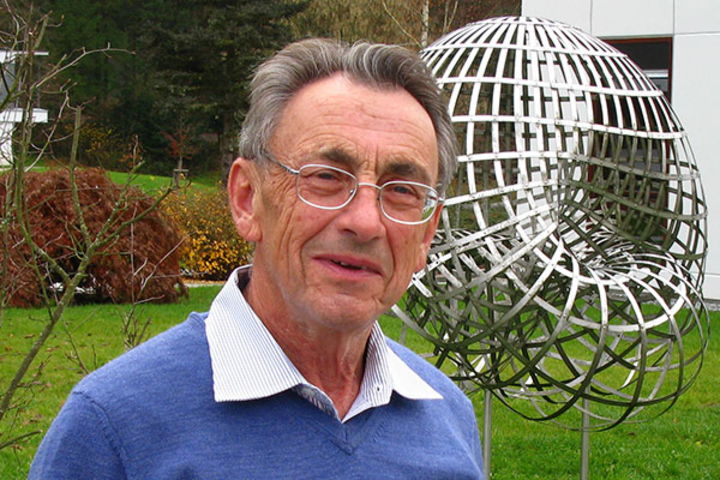 A world-renowned logician, Grigori Mints is remembered for his genuine engagement in his work as a teacher and a scholar.