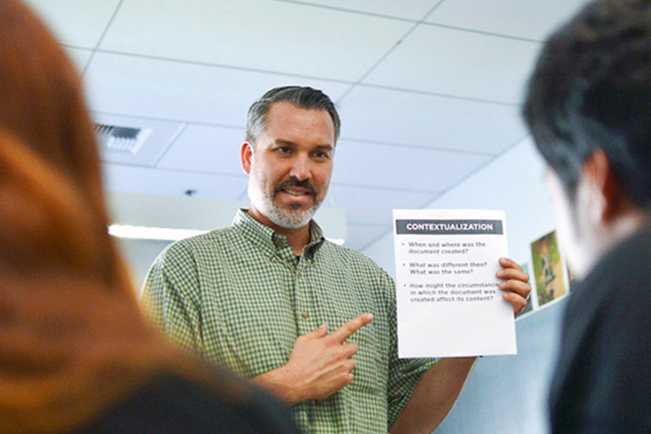 Brandon Cabezas, a Los Angeles high school teacher, is using new lessons from Stanford in his U.S. history class.